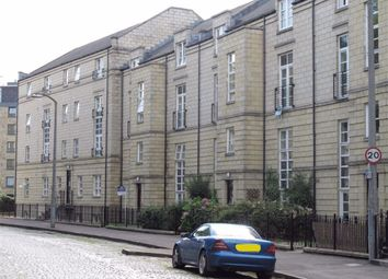 Thumbnail 2 bedroom flat to rent in Hopetoun Crescent, New Town