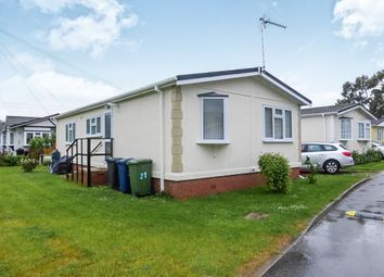 Thumbnail 2 bedroom mobile/park home for sale in Toads Acre, Longstanton, Cambridge