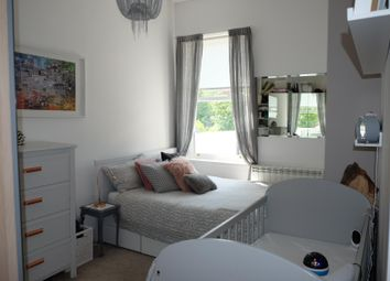 Thumbnail 1 bed flat to rent in Gloucester Road, Redhill