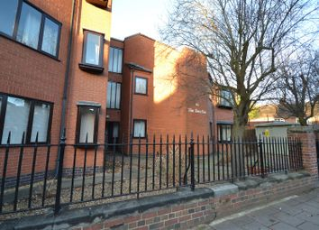 Thumbnail 2 bed flat for sale in Queens Road, Leicester