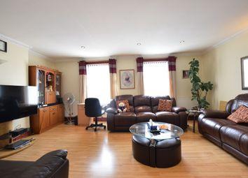 3 bed flat to rent in Basingstoke Road, Reading, Berkshire RG2