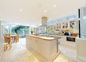 Thumbnail 5 bedroom property to rent in Bovingdon Road, Fulham