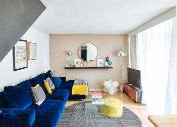 Thumbnail 2 bed flat for sale in Manningford Close, Clerkenwell, London