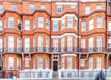 Thumbnail 2 bed flat to rent in Egerton Gardens, Chelsea, London
