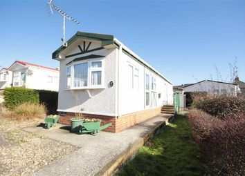 Thumbnail 2 bedroom mobile/park home for sale in Brook Meadow, Wroughton, Swindon