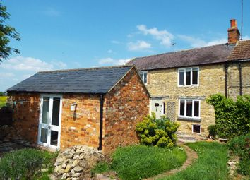 Thumbnail 3 bed cottage to rent in London Road, Wollaston, Northamptonshire