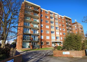 3 bed flat for sale in New Church Road, Hove BN3