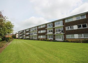 Thumbnail 2 bedroom flat to rent in Park Road, Burgess Hill