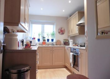 Thumbnail 2 bed flat to rent in Mead Lane, Witney, Oxon