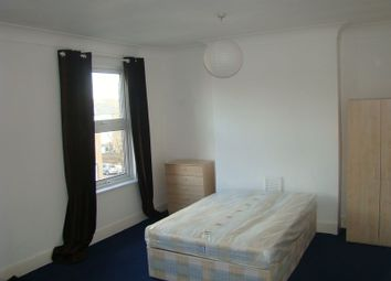 Thumbnail Room to rent in Clifford Road, London