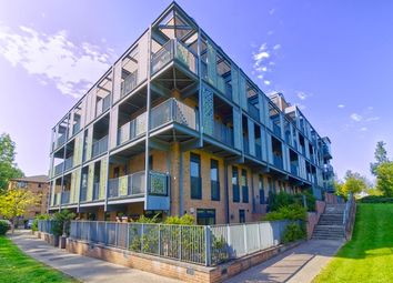 Dalgin Place, Campbell Park, Milton Keynes MK9. 2 bed maisonette