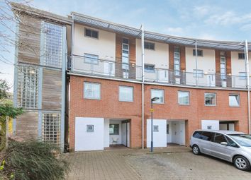 Thumbnail Flat for sale in Windmill Road, Slough