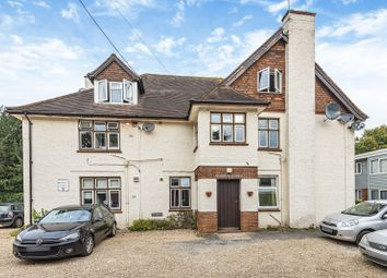 Mathon Lodge, Cross Lanes, Guildford GU1. 2 bed flat for sale