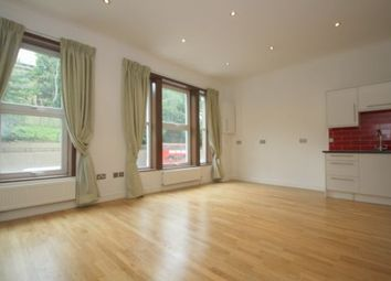 Thumbnail 3 bedroom flat to rent in Archway Road, Highgate