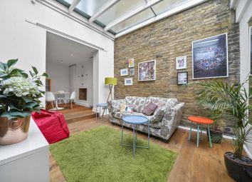 2 bed flat to rent in Albert Street, Camden, London NW1