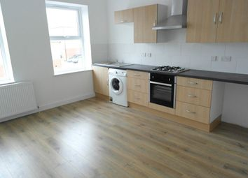 Thumbnail 2 bedroom flat to rent in Beverley Road, Hull