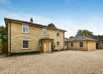 Thumbnail 5 bed detached house for sale in Queens Avenue, Bicester