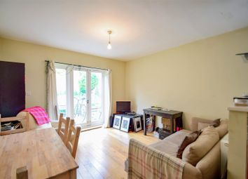 3 bed maisonette to rent in Geldeston Road, London E5