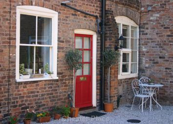 Thumbnail 1 bed flat to rent in Castle Street, Chester