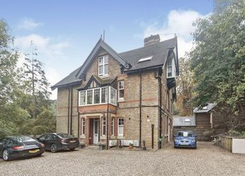 Hayes Lane, Kenley, Surrey CR8. 2 bed flat for sale