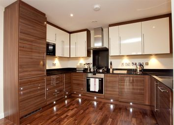 Thumbnail 2 bed flat to rent in Vanston Place, London