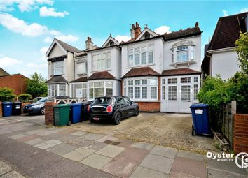 2 bed flat for sale in Granville Road, London, Greater London N12