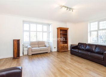 Thumbnail 3 bed flat to rent in Wendover Court, Finchley Road, London