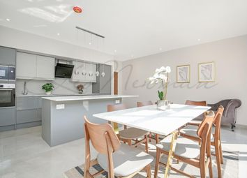 Kings Avenue, Brixton SW4. 3 bed town house for sale