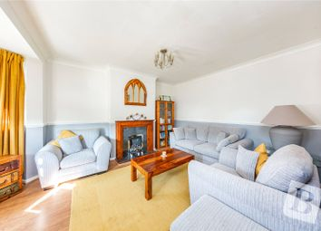 2 bed maisonette for sale in Caernarvon Drive, Ilford IG5
