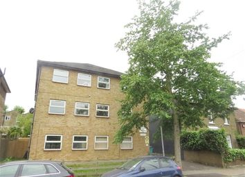 Thumbnail 2 bed flat to rent in Blenheim Grove, London