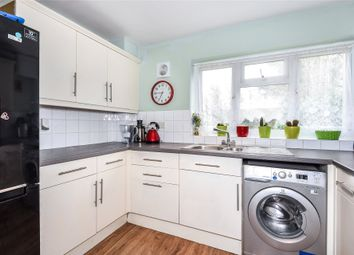 Thumbnail 2 bed maisonette to rent in Waterloo Road, Crowthorne, Berkshire