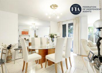 3 bed flat to rent in Julius Court, Justin Close, Brentford TW8