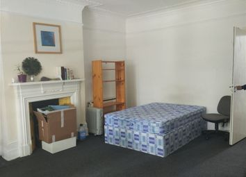 Thumbnail Property to rent in Chiswich High Road, Chiswick, Turnham Green, London