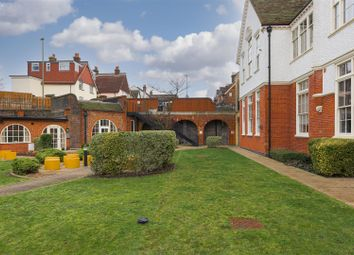 Old School Close, Redhill RH1. 1 bed flat for sale