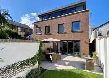 Sheffield Road, Southborough, Tunbridge Wells TN4. 4 bed town house