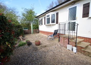 2 bed mobile/park home for sale in Chalk Hill Lane, Great Blakenham, Ipswich IP6