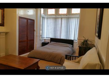Thumbnail Room to rent in Beckenham Road, London