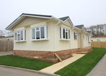 Thumbnail 2 bed mobile/park home for sale in Stopples Lane, Hordle, Lymington