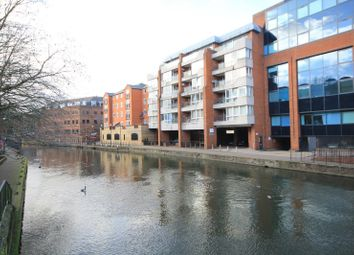 Thumbnail 2 bedroom flat for sale in Kings Reach Court, Crane Wharf, Reading