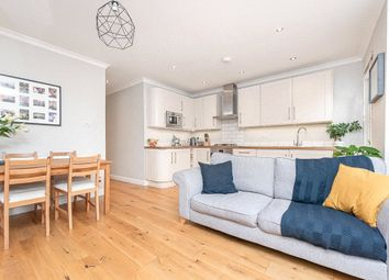 2 bed flat to rent in Crownhill Road, London NW10