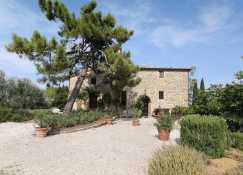 Thumbnail 3 bed farmhouse for sale in Villa Sant' Angelo, Fraz. Racchiusole, Umbria
