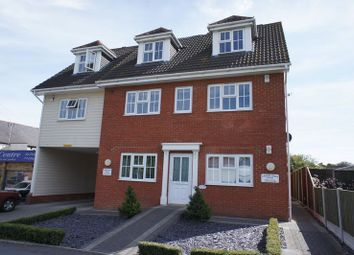 Thumbnail 2 bed property to rent in Daws Heath Road, Rayleigh