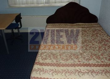 Thumbnail 3 bed property to rent in Kelso Gardens, Leeds, West Yorkshire