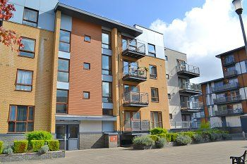 Thumbnail 1 bed flat for sale in Howlands Court, Commonwealth Drive, Three Bridges, Crawley