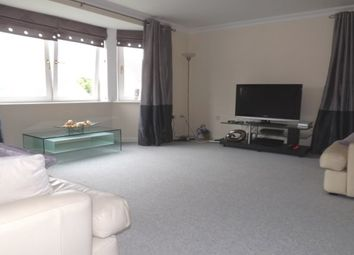2 bed flat to rent in Middlewood Drive East, Sheffield S6
