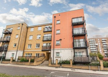 2 bed flat to rent in Candle Street, London E1