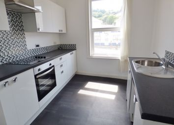Thumbnail 1 bed flat to rent in Princes Road, Torquay