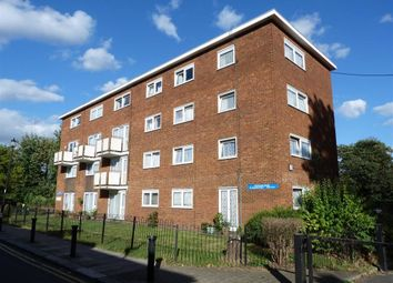 Thumbnail 1 bedroom flat for sale in Moor Park House, Winchmore Hill, London