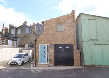Thumbnail 2 bed detached house to rent in Victoria Road, Buckhurst Hill