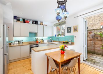Collingbourne Road, London W12. 2 bed maisonette